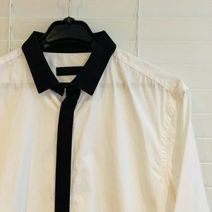 Burberry - White with black Trim dress shirt Sz 39
